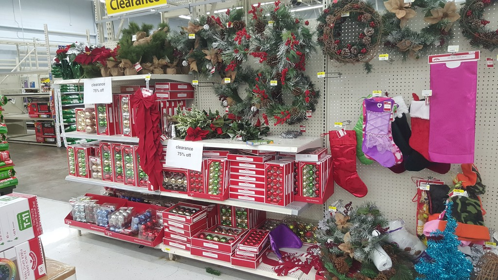 Walmart christmas clearance hits 75 for Christmas decorations clearance online
